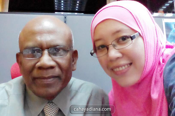 CD-and-Dr-Abraham-Vemma-Malaysia-Product-Consultant-selfie